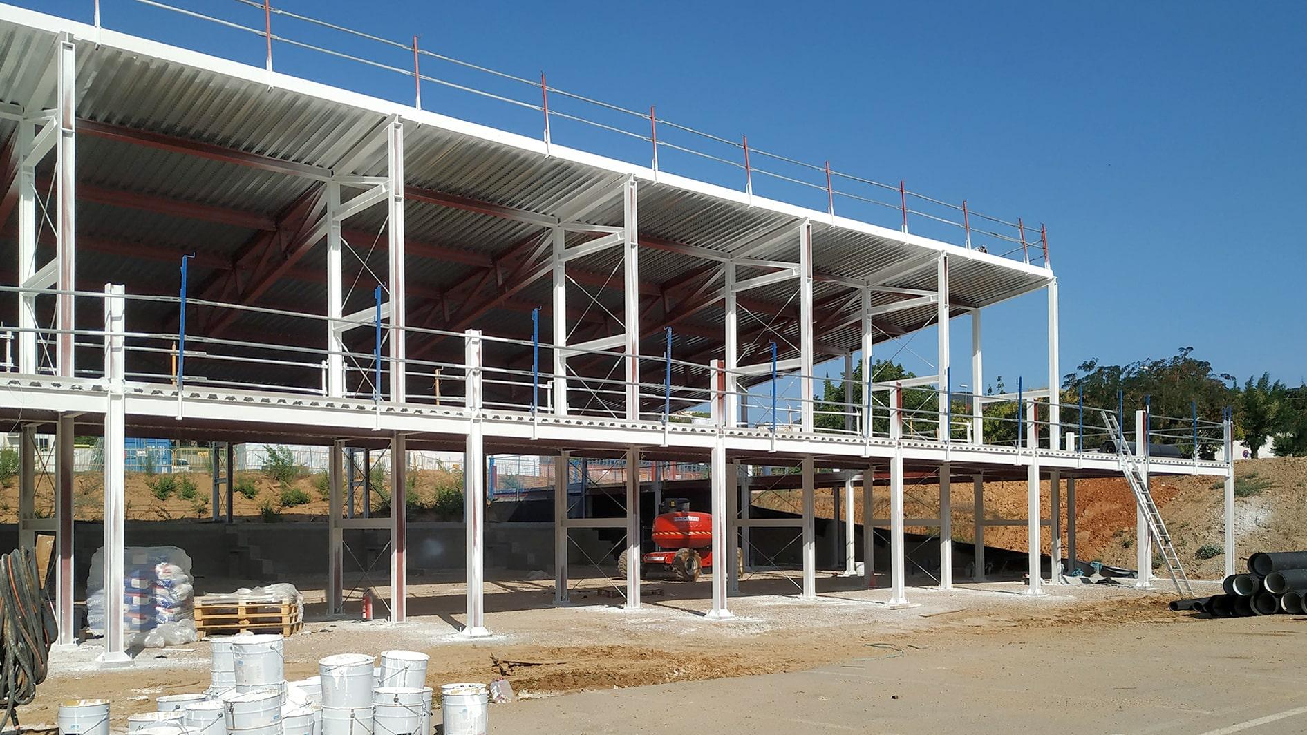 Construcción del espacio polivalente en Carrencà